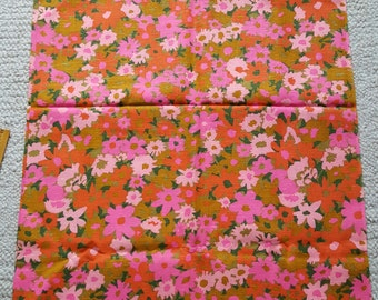 Vintage Material Yardage Fabric Flowers Pink