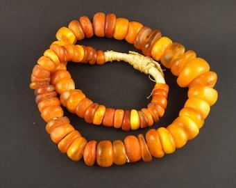 Antiguo collar con ámbar antiguo de Mali, antiguo collar étnico, joyería africana, cuentas de comercio africanas