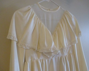 Vintage wedding gown 1970s ivory  qiana