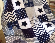 DALLAS COWBOY quilt in gray, navy and white