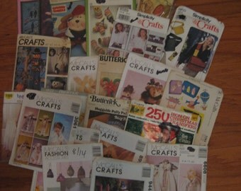 Lot of  29 Craft Patterns Dolls Bears Quilting Sewing Christmas Etc.