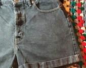 Vintage 90s The Gap Black Highwaisted Denim Shorts Classic High waist Jean shorts Cuff Grunge Button Fly Womens size 12 Medium 30 31 waist