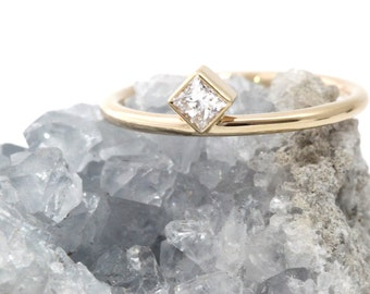 Princess cut diamond ring - Yellow gold wedding ring