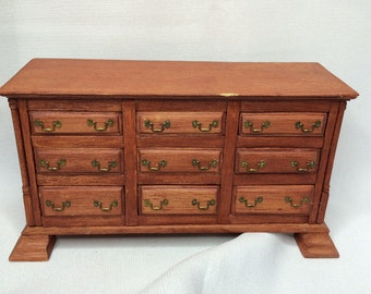 "Dollhouse Miniature 1"" Dresser (ITZ)"