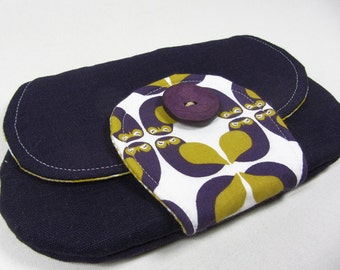 Makeup bags, also mobile phone or MP3 player