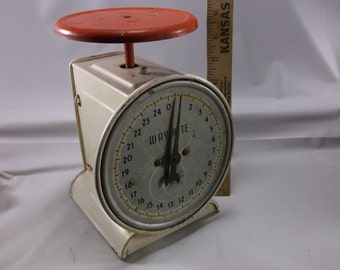 Kitchen Scale 50s White and Red Way Rite  .epsteam