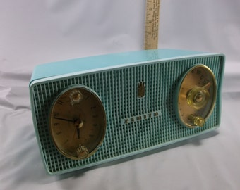 Vintage Zenith Tube Clock Radio  1959  Turquoise  B514-F  Atomic Age Space Age .epsteam