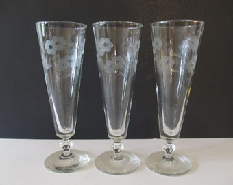 Three Etched Pilsner Beer Glasses, Frosted Flowers