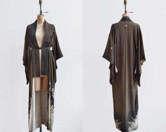Woodland Kimono / 1950s silk brown floral kimono / vintage kimono