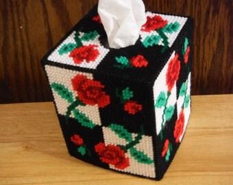 Light and Shadow Roses Tissue Box Holder// Red Rose Petals // Girlfriend Gift // Easter Gift // Flower Decor // Living Room Decor