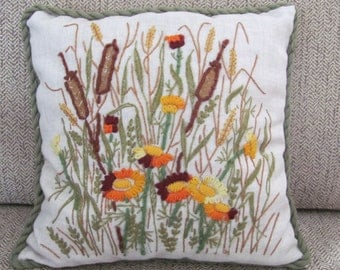 Vintage Crewel Pillow, 1970's Crewel Flower Pillow, Embroidered Pillow, Vintage Handmade, Fall Throw Pillow, 1970's Pillow, Decor