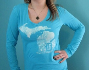 SALE! 5 OFF Turquoise bleach long sleeved shirt, Michigan outline with Old English D