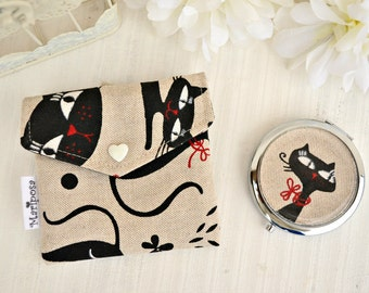 Pocket mirror with pouch