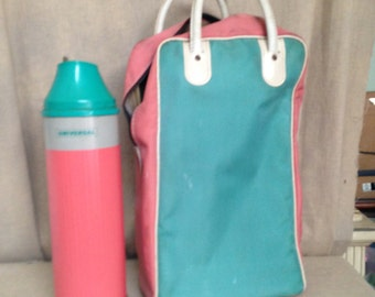Universal Thermos pink/green and Matching Picnic Carrying Bag Landers Fray and Clark New Britain, Conn.