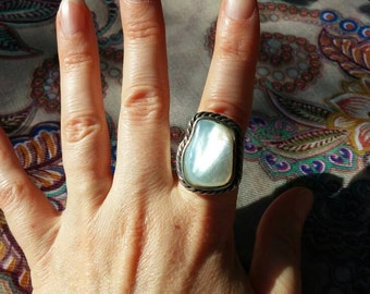 Sterling Silver Braided Mother of Pearl Ring Size 8