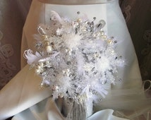Winter wedding bouquet, snowflake bouquet, winter bridal bouquet, winter bouquet, Christmas wedding, tassel bouquet, feather wedding bouquet