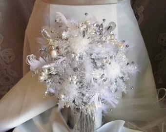 Winter wedding bouquet, snowflake bouquet, winter bridal bouquet, winter bouquet, Christmas wedding, tassel bouquet, feather wedding bouquet