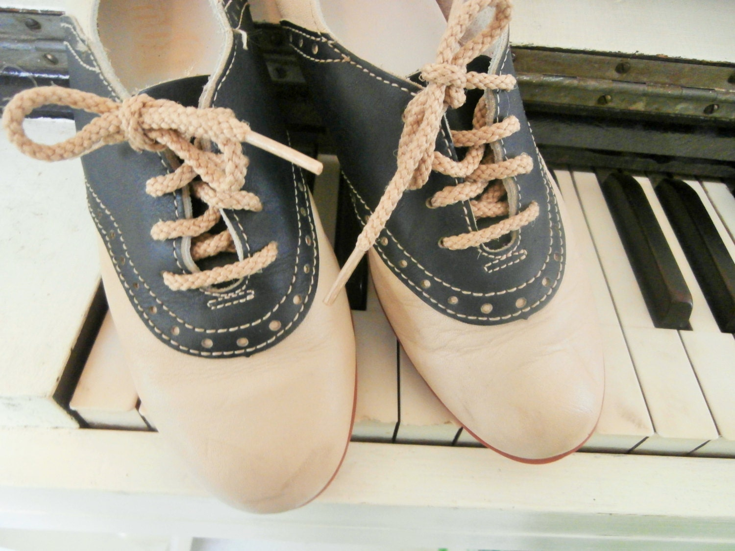 vintage soft leather saddle shoes made in usa womens