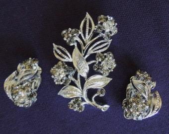 Lisner Flowered Brooch and Earring Set -  Shiny Silvertone Leaves & Rhinestone Flowers - 70s