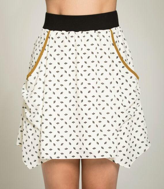 PAPILLON DE NUIT - short skater skirt with pockets, flared skirt, miniskirt, for women - white with paper fans print