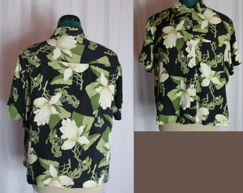 Silky soft Vintage hawaii style polo with shell buttons