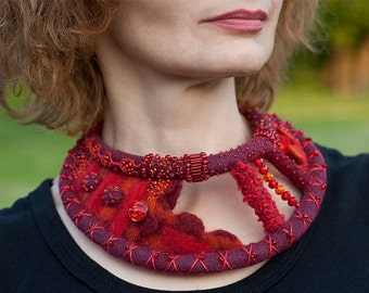Felt Collar, Felt Necklace, Felt Jewelry, Red-Purple