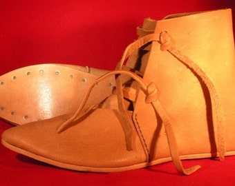 14th Century Ankle Boots Womens Size 9 Natural