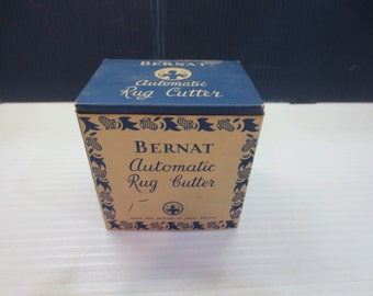 Vintage Bernat Automatic Rug Cutter w Instructions in Original Box