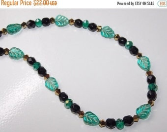 CLEARANCE 30%OFF Teal Green Leaf Czech Glass Necklace