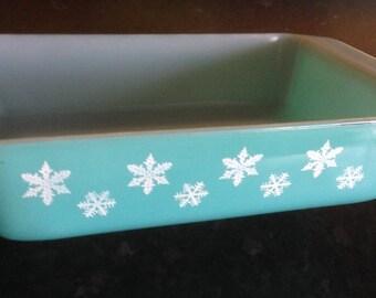 VINTAGE turquoise milk glass pyrex white snowflake rectanglar spacesaver