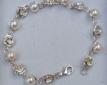 Pearl Silver Bracelet ,Flower Pearl Bracelet ,Bridal Pearl Bracelet ,Sterling Silver Bracelet ,Handmade Pearl Bracelet ,White Pearl Bracelet