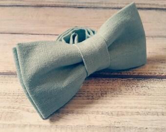 Sea green bow tie. Linen bowtie. Dusty green. Mens accessories. Wedding bow tie