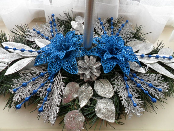Christmas centerpiece in bue silver holiday