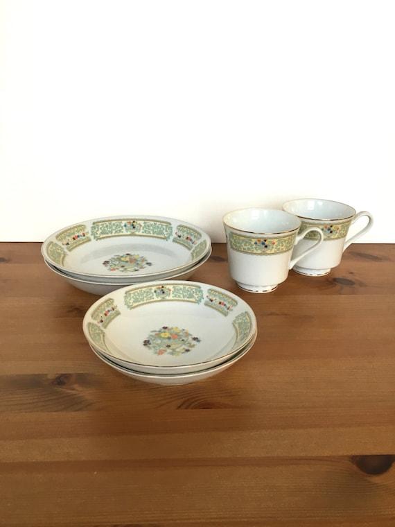 Vintage Fine China of Japan Plaza pattern porcelain bowls and teacups