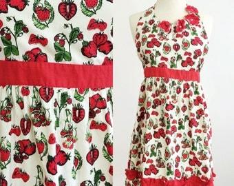 Vintage apron / Halter apron / 50s style apron / apron dress / strawberries