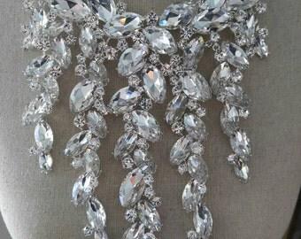 Lavish necklace clear stones