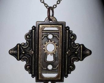 Key Hole Necklace