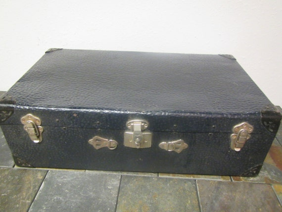 vintage WORCESTER T & S Black Metal SUITCASE large 26