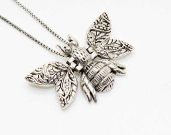 Sterling Silver FLY Bug Bumble BEE Pendant NECKLACE on Sterling Box Chain-Moving Wings! Vintage Estate Jewelry-Super Cute!