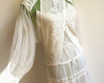 1970s - VALENTIA, Italy - Precious Cotton Lace Wedding Dress (M Fit)