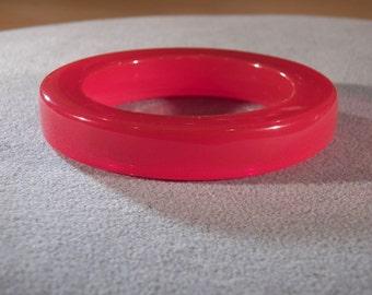 Vintage Red Lucite Bangle Style Bracelet, A Sleek Chunky Bracelet that Speaks Volumes!~~ **RL