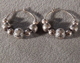 Vintage Sterling Silver 14 Round Etched bead Hoop Pierced Earrings  **RL
