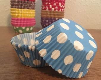 50 Polka dot cupcake liners / wrappers - regular size - Light Blue and White from Bakell