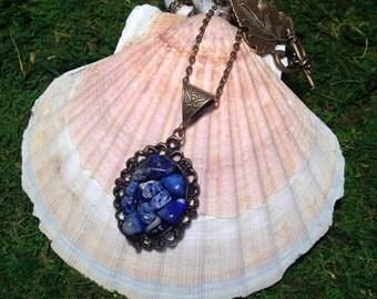 Necklace lapis lazuli.