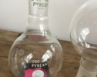 Pyrex Laboratory Round Bottom 200 ml Flask Science Glass 24/40