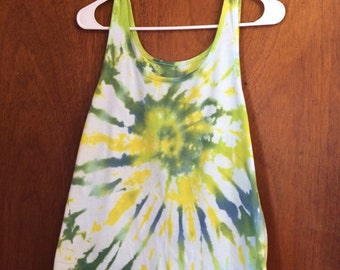 2X tie dye tank in tyellow lime and green.