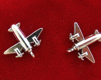 """BULK! 30pc """"airplane"""" charms in antique silver style (BC937B)"""