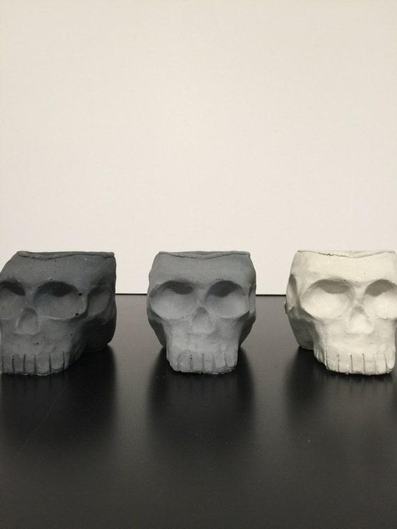 Peabo Skull V.1 / Cement