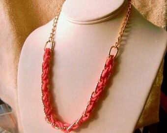 10% OFF Necklace Braided Coral/Salmon Beaded Necklace Gold Tone Perfect Condition SHIPPING SPECIAL 0124 11888