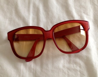 Sunglasses, red, Emmanuelle Khanh, petit.